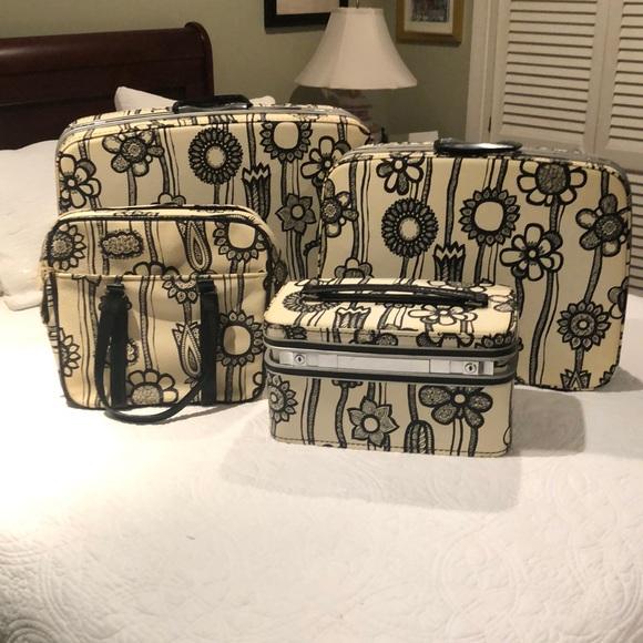 Samsonite Handbags - Vintage Mod Samsonite Suitcase Set